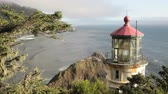 scénický : Along the Oregon Coast stands the Heceta Head Lighthouse,  includes high quality audio.
