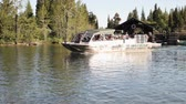 пассажир : Shuttle boats leaving the dock at Jenny Lake, Grand Teton National Park Стоковые видеозаписи