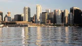 britânico : Waterfront view of downtown Vancouver, BC