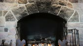 chamas : Crater Lake Lodge fireplace, tilt