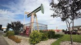 tomada : Pumpjack pumping oil in downtown Edmonton, Alberta