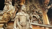 verdade : Scene from Sanctuary of Truth Thailand Asia Slow PAN Motion of the building and carvings Vídeos