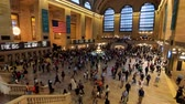 wnętrze : New York, USA - September 6, 2018: Passengers moving at Grand Central Wideo