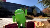 işletme : Mountain View, USA - September 25, 2018: Android statue in Googleplex headquarters main office