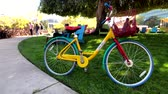 google campus : Mountain View, USA - September 25, 2018: Google bicycle in Googleplex headquarters main office Stock Footage