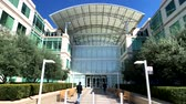 yazılım : Cupertino, USA - September 10, 2018: Apple company campus in silicone valley, Infinity loop one Stok Video