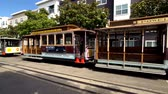 kablolar : San Francisco, USA - September 10, 2018: Tourists landmark retro tram at day time Stok Video