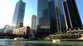 sugárút : Chicago, USA - September 10, 2018: Downtown landmarks at sunny day time