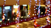 эскалатор : blur and bokeh light interior in shopping mall Стоковые видеозаписи