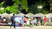 夜遊び : blur of people are shopping in night market and relax in weekend