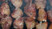 rindersteak : roast meat on coals close-up