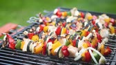 pieczeń : Overcooked and burned shashliks on hot barbecue grill. Wideo