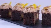 coffee cherries : Chocolate muffin with small pieces of mango. Chocolate cupcakes with mango