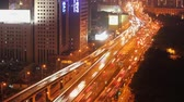 congestionamento : Timelapse of busy traffic over overpass in modern city , Shanghai, China