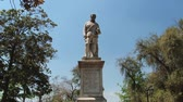 чили : Santiago, Chile – October 17, 2013 : Exterior of the monument to the 1st Royal Governor of Chile and founder of Santiago city Don Pedro de Valdivia at Santa Lucia hill in Santiago, Chile. Стоковые видеозаписи
