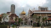 глэм : Singapore, Singapore - March 26, 2014: View to the mosque in the Arab quarter in Singapore, Singapore. Стоковые видеозаписи