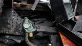 dişli : Gas mask is lying on the barricades on the Khreshchatyk street in Kiev, Ukraine