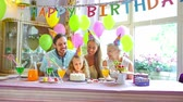 свеча : childrens birthday Стоковые видеозаписи