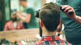 barbeiro : Young hipster in a hairdressing salon