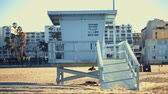 cankurtaran : Lifeguard on the beach in Santa Monica, California Stok Video