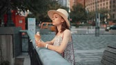 lody : Attractive woman eating ice cream in New York Wideo