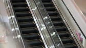 sklep : Empty escalator in the mall, it works Wideo
