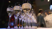 banquete : Many beautiful glasses of champagne on the table