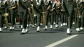 feier : Military Brass Band Walk On The Road