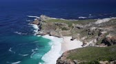 afrika : The beautiful coastal lines with blue and turquoise colored water of the Atlantic ocean near Cape Point in South Africa Dostupné videozáznamy