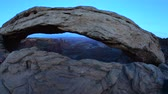 landschaft : Mesa Arch im Canyonlands Nationalpark Stock Footage