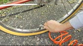 pompki : inflating a bicycle tire