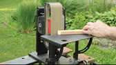 плотничные работы : using an upright sander to smooth a rough edge