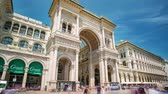 erkély : MILAN, ITALY - MAY 3: View of Galleria Vittorio Emanuele II. Most popular shopping areas in Milan.