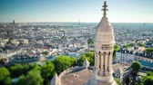 파리 : PARIS, FRANCE - JUNE 19, 2018: Timelapse of a city from above. Fast movement.