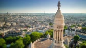 파리 : Panorama of Paris timelapse. Top view from Sacred Heart Basilica of Montmartre . Sunny day.