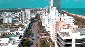 centro : MIAMI, FLORIDA, USA - JANUARY 2019: Aerial drone panorama view flight over Miami beach city centre.