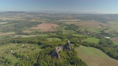 tcheco : Ruins of Gothic castle Trosky in National Park Czech Paradise. Aerial view to medieval monument in Czech Republic.