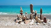 禅 : Concept of balance and harmony. - stone stacks on the beach