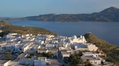 jellegzetes : Panoramic view of Plaka village with traditional Greek church. Milos island, Greece