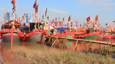 dao : HAI DUONG, VIETNAM, SEPTEMBER, 10: Performed traditional boat on the river in folk festivals on September, 10, 2014 in Hai Duong, Vietnam