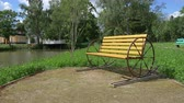šlechta : The shooting took place on the estate in the Rostov region, Russia. In the frame captured a bench that swings, stands near the pond, near the main house Dostupné videozáznamy