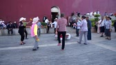 menšina : Jianshui, China, May 14: Square dancing in Jianshui. People are gathering in the city
