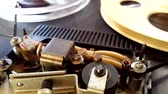 gravador : Old retro Reel Audio Recorder reels spinning Stock Footage