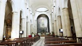 smrt : TORINO, ITALY - JULY 7, 2018: Interior of Turin Cathedral Duomo di Torino , built in 1470. It is the Chapel of the Holy Shroud the current resting place of the Shroud of Turin . Dostupné videozáznamy