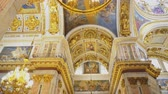 фреска : Sankt-Petersburg, Russia, 04222018 - Inside of Saint Isaacs Cathedral (Editorial) Стоковые видеозаписи