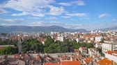 háztetők : Panoramic view on the old town of Split, Croatia. Stock mozgókép