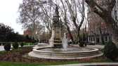yerleri : The fountain of Apollo in Prado Boulevard, Madrid. Stok Video