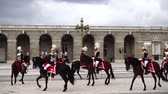 tropas : MADRID, SPAIN - APRIL 04, 2018: The ceremony of the Solemn Changing of the Guard at the Royal Palace of Madrid. That is famous event was performed on the first Wednesday of each month.