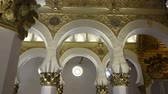 zsidóság : TOLEDO, SPAIN - MARCH 30, 2018: Interior of the synagogue of Santa Maria la Blanca. Stock mozgókép