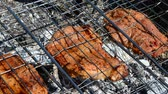 charbroiled : Process of preparation of a barbecue